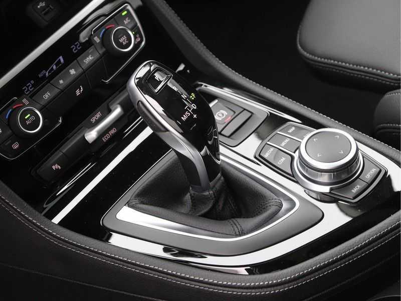 BMW 2 Serie Active Tourer 218i Exe Sportline Aut. afbeelding 15