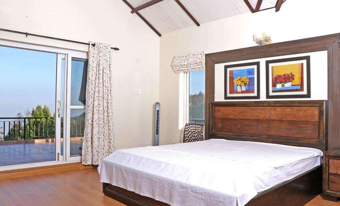 Master bedroom at Turf Yard