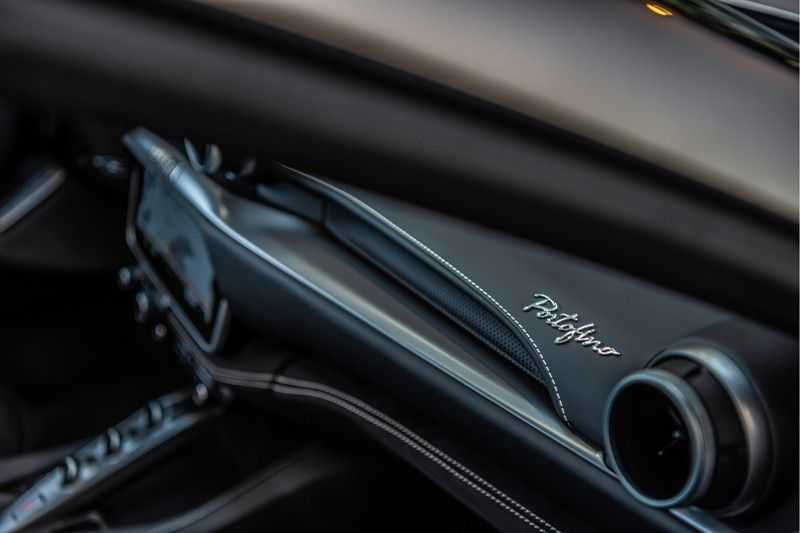 Ferrari Portofino 3.9 V8 HELE | Carbon | Alcantara | Homelink | Camera | afbeelding 13