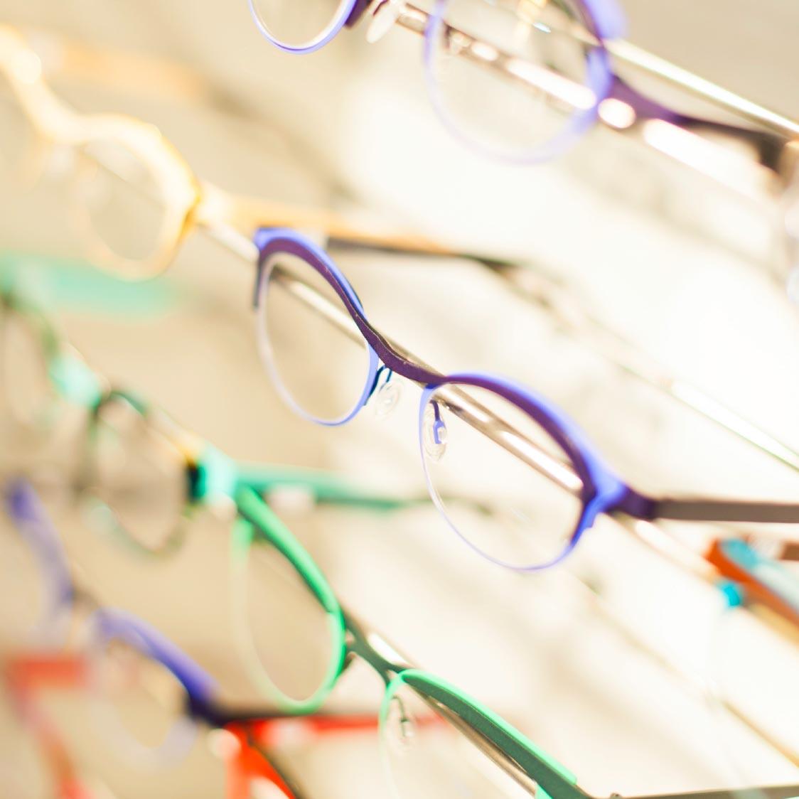 Essilorin Eye protection system – suojaa silmäsi ennenaikaiselta ikääntymiseltä