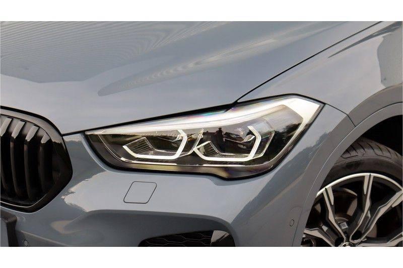 BMW X1 xDrive20i High Executive M Sport Panoramadak, Head-Up Display, Leder, Trekhaak afbeelding 9
