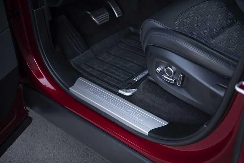 Land Rover Range Rover Sport SVR 5.0 V8 SC Meridian Reference Audio + Head Up + 360 Camera + Gekoelde/Verwarmde voorstoelen + Verwarmde  Achterbank + Carbon Motorkap Met Luchthappers + Ambianceverlichting afbeelding 12