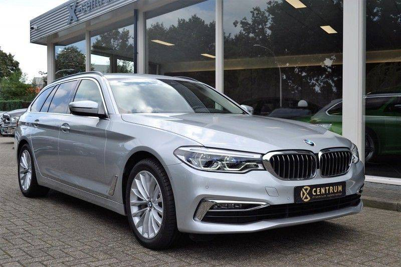 BMW 5 Serie 530i xDrive Luxury Line Facelift afbeelding 2