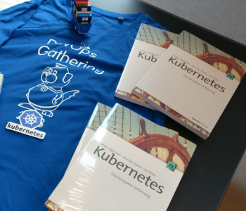 Kubernetes Bücher als Geschenk auf dem Container Lab mit Kubernetes