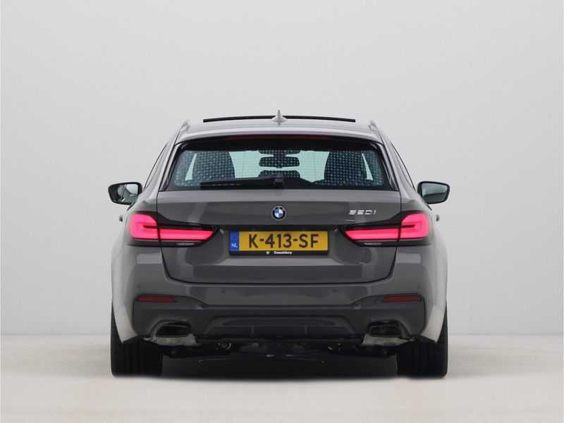 BMW 5 Serie Touring 520i High Executive M-Sport Automaat afbeelding 4