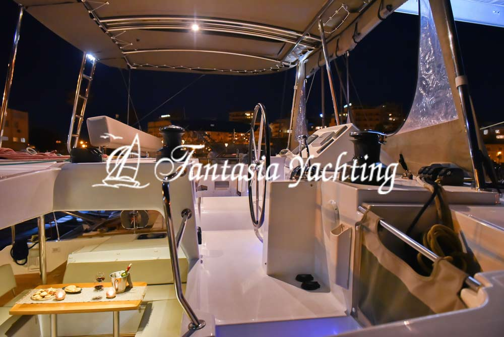 catamaran 23
