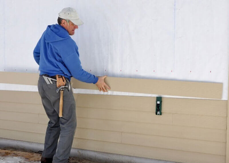 If one garage door section breaks, it can work like a stack of dominos, cascading into even bigger problems. Don't let that happen to you!