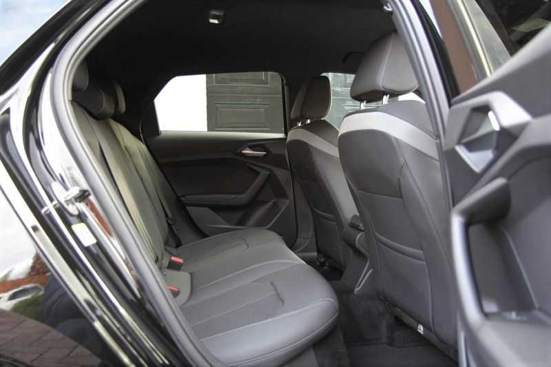 Audi A1 Sportback 40 TFSI S-LINE+NAVI+18INCH afbeelding 11