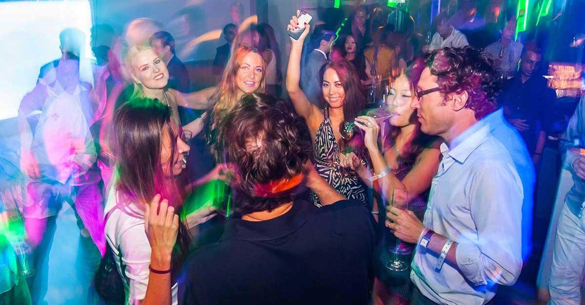 5 Pantangan Saat Ke Club Malam