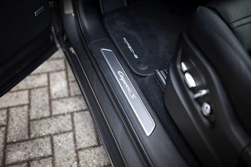 Porsche Cayenne 2.9 S Coupé 12-2020 Sportdesign *BOSE / 4 Wielbesturing / Memory / Sport Chrono / HUD* afbeelding 23