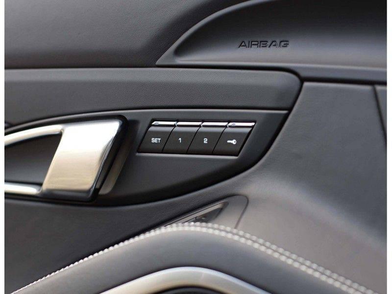 Porsche 911 Cabrio Carrera 4S *ACC*Bose*Chrono*Vierwielbesturing*Camera*Vol!* afbeelding 22