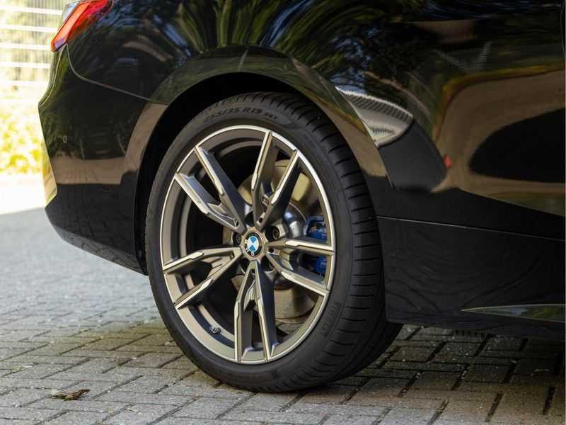 BMW 4 Serie Coupé M440i xDrive - High Executive - Dak - ACC - Harman Kardon afbeelding 11