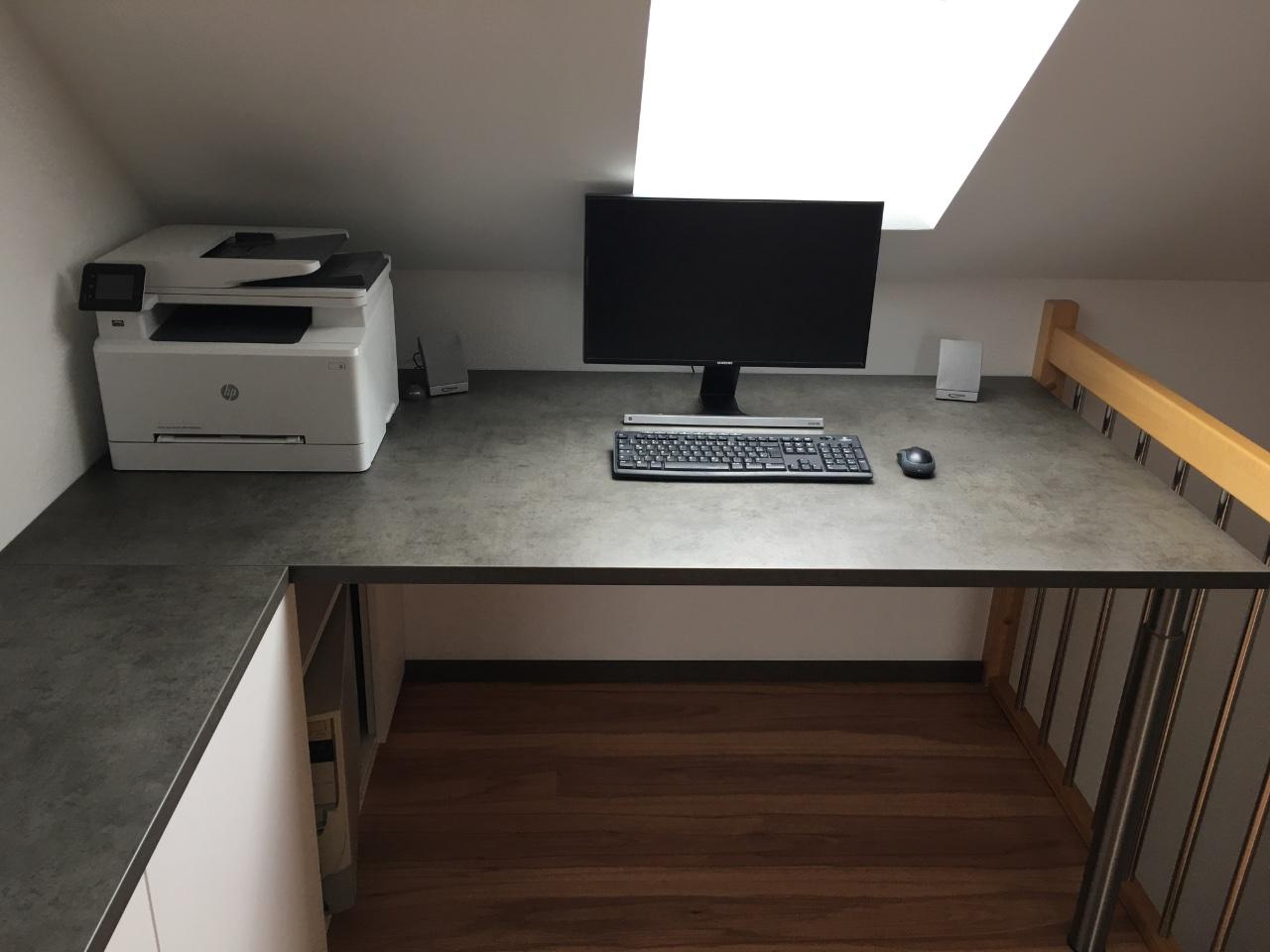 Der Schreibtisch für Markus.