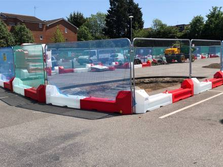 SafeSite SlotBlock Barriers with Fencing – Waltham Abbey