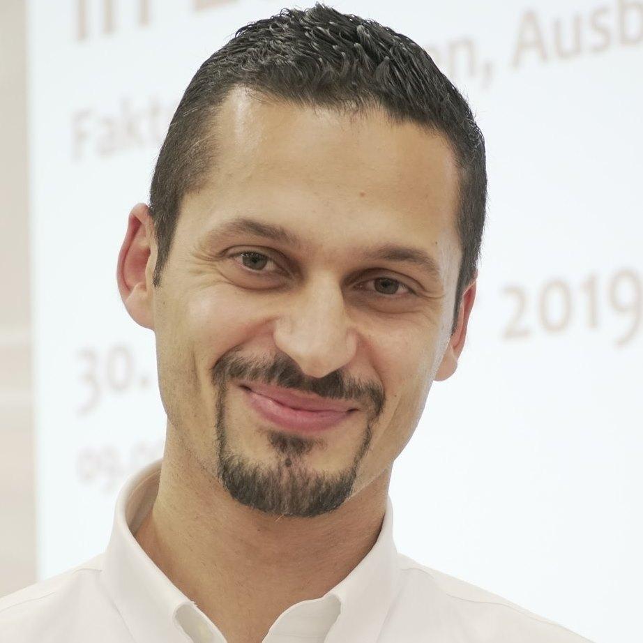 PD Dr. Farid Hafez