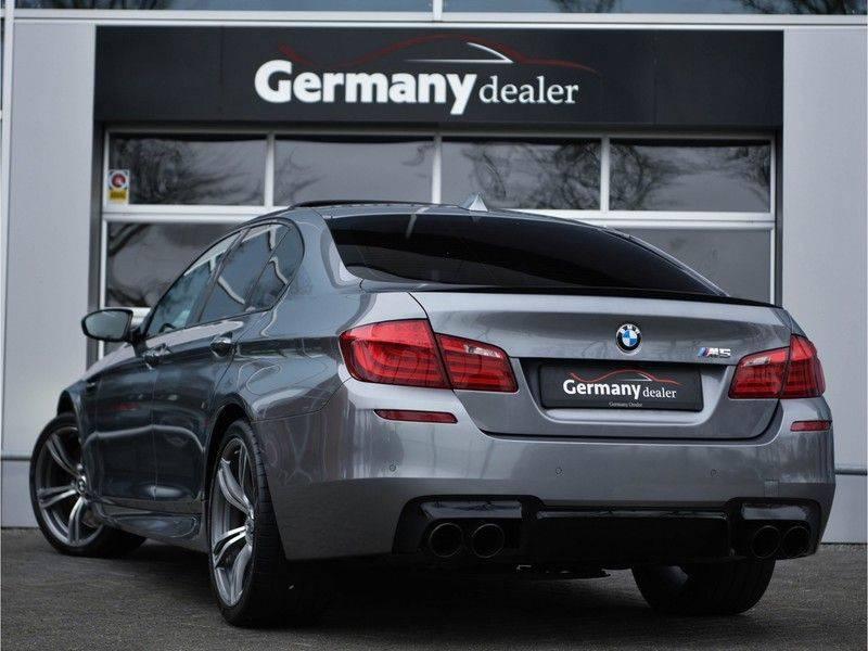 BMW 5 Serie M5 560pk DKG Pano B&O HUD Leder-dash Soft-Close Alcant.Hemel afbeelding 3