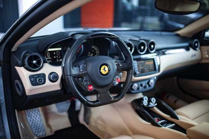"Ferrari FF 6.3 V12 HELE *Collector Car / Passenger Display / 20"" / Carbon / Memory* afbeelding 7"