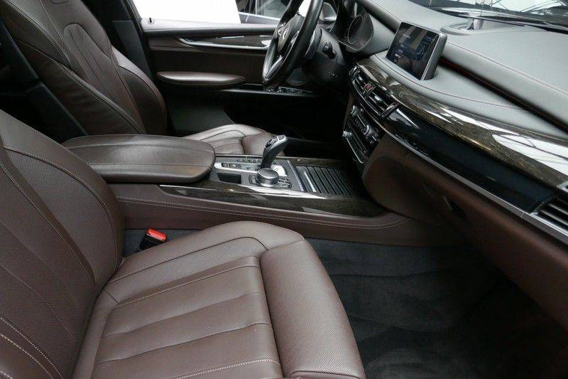 BMW X5 M50d B&O - Panoramadak afbeelding 17