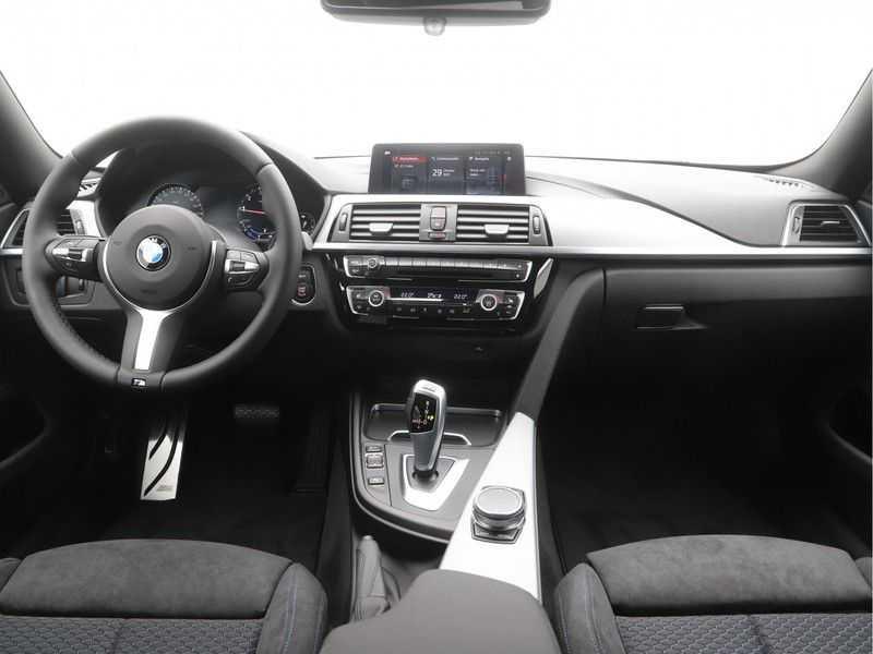 BMW 4 Serie Gran Coupé 418i Executive Edition Model M Sport afbeelding 15