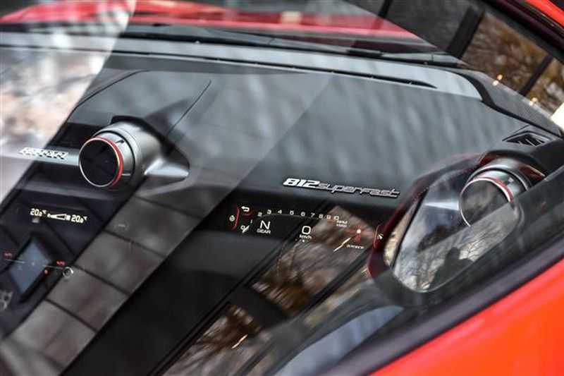 Ferrari 812 SUPERFAST LIFT+CARBON SEAT+PASS.DISPLAY+LED STUUR afbeelding 6
