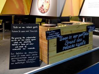 Messecatering mit dem mobilen Crêpestand auf einer Messe in Köln erzeugt unwiederstehlichen Crêpegeruch
