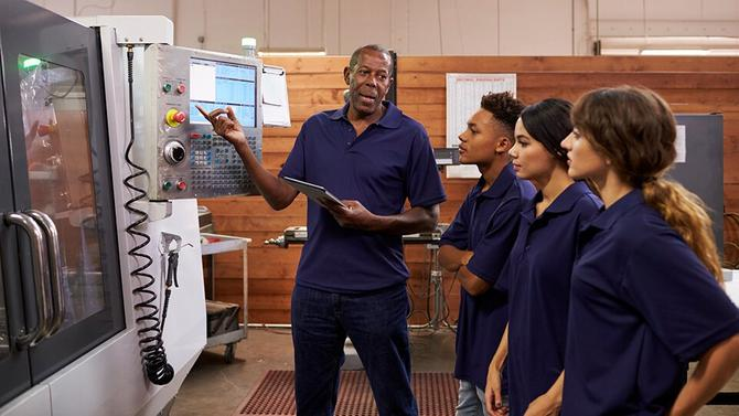 What Are The Major On-The-Job Training Advantages?