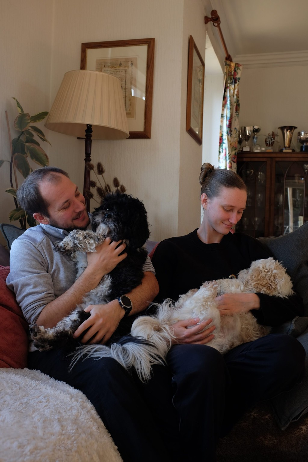 Lots of snuggles with Pepe and Fuji at our last housesit of 2020