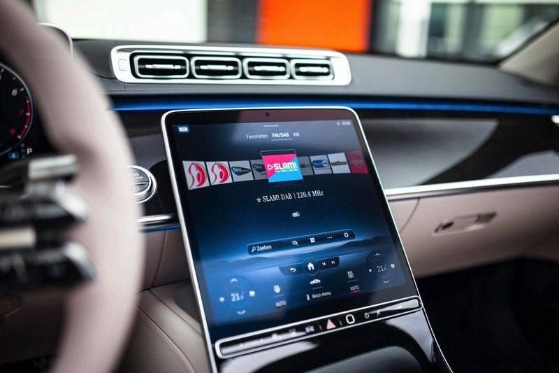 "Mercedes-Benz S-Klasse 500 4Matic Lang AMG NP €193.000 *Pano / 3D Burmester / HUD / Distronic / 21"" / 3D Display* afbeelding 16"