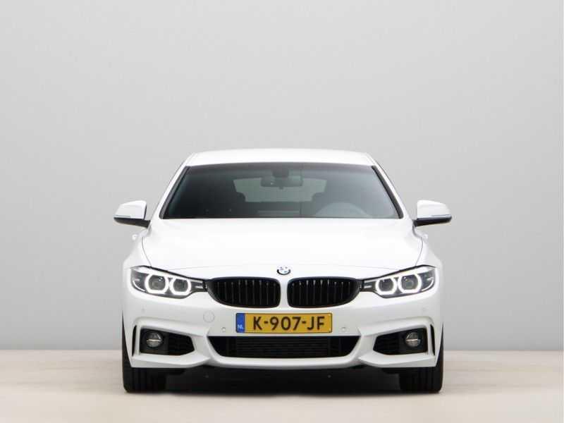 BMW 4 Serie Gran Coupé 418i Executive Edition Model M Sport afbeelding 5