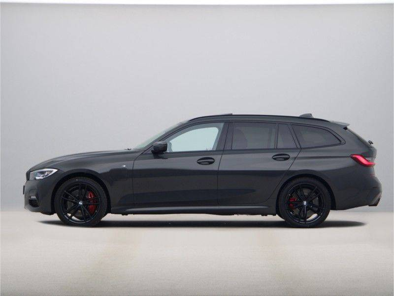 BMW 3 Serie 330Xe Touring High Exe M-Sport Hybrid afbeelding 12