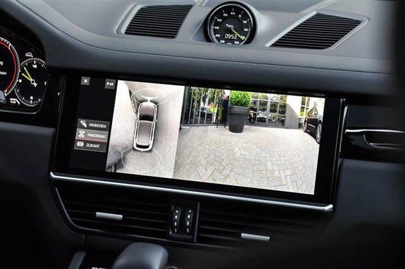 Porsche Cayenne E-HYBRID SPORTDESIGN+PANO.DAK+4WSTURING afbeelding 24