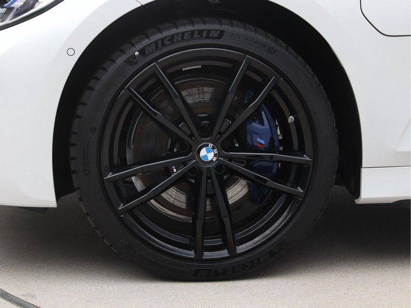 BMW 3 Serie 330e xDrive Touring High Executive afbeelding 25