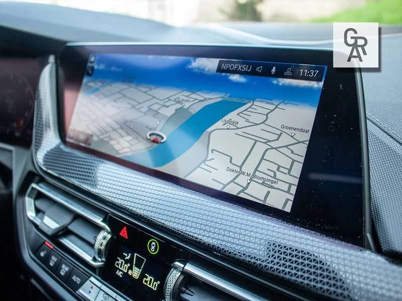 BMW 1 Serie M135i xDrive High Executive afbeelding 15