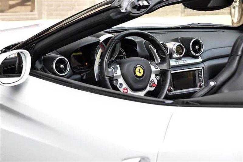 Ferrari California T HELE CARBON+DAYT.STOELEN NP.289K (15.DKM) afbeelding 12