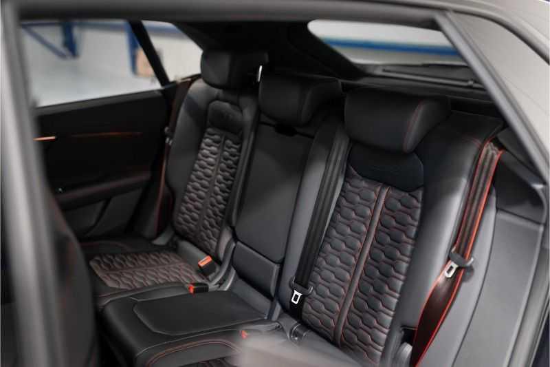Audi RS Q8 quattro 4.0 TFSI BTW-CARBON-CERAMIC-PANO afbeelding 25