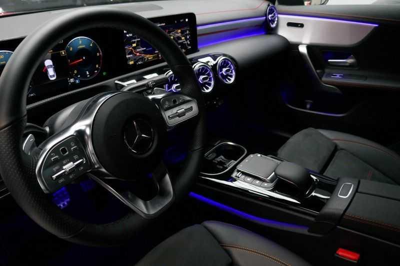 Mercedes-Benz CLA-Klasse 200 d /// AMG Edition 1 Nightpakket - Sfeer verlichting afbeelding 18