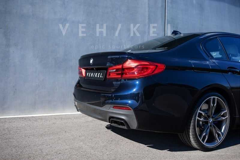 BMW 5 Serie M550i xDrive High Executive // BTW-auto // First owner afbeelding 2