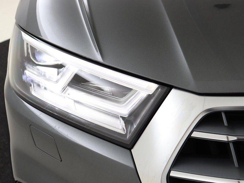 Audi Q5 50 TFSI e 299 pk quattro S edition   S-Line  Assistentiepakket City/Parking/Tour   360* Camera   Trekhaak wegklapbaar   Elektrisch verstelbare/verwambare voorstoelen   Adaptive Cruise Control   Verlengde fabrieksgarantie afbeelding 16