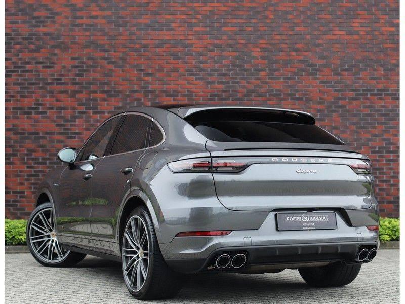 Porsche Cayenne Coupé 3.0 E-Hybrid *Sport Design*Pano*Soft-Close* afbeelding 3