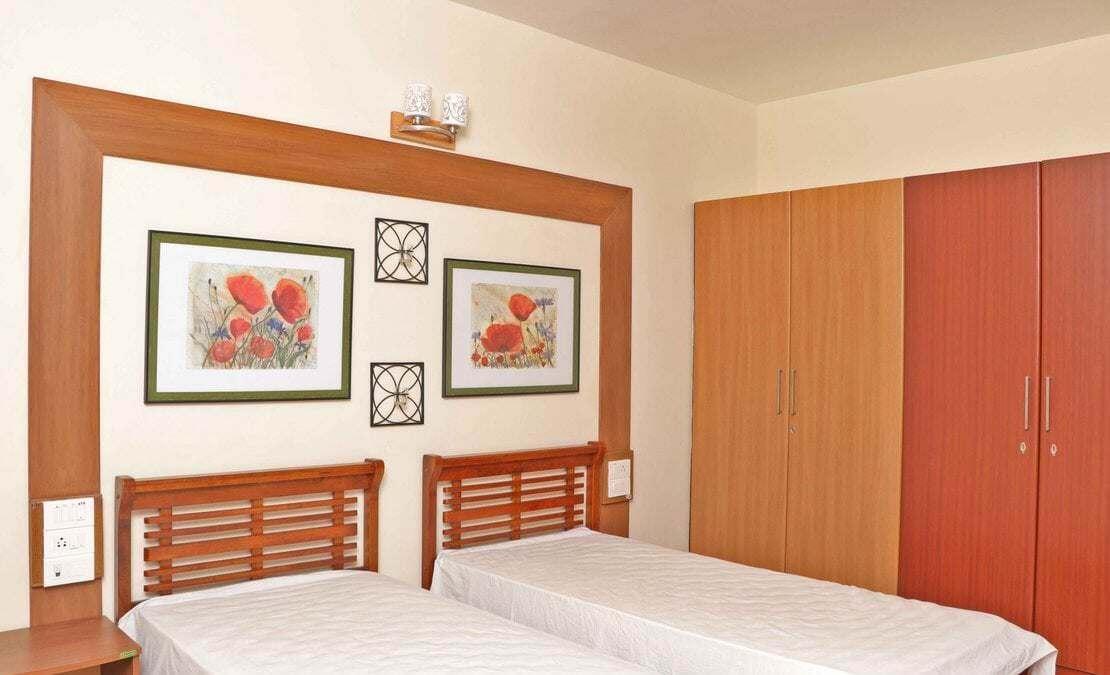 Guest bedroom at Turf Yard