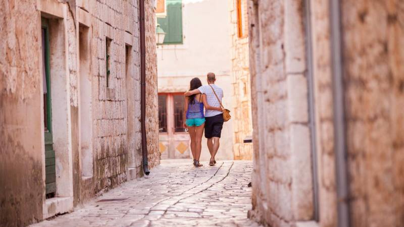 Best romantic destinations for sailing holidays in Greece