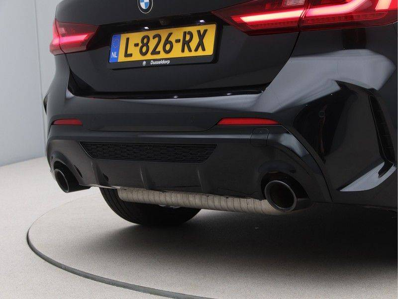 BMW 1 Serie M135i xDrive High Executive afbeelding 20