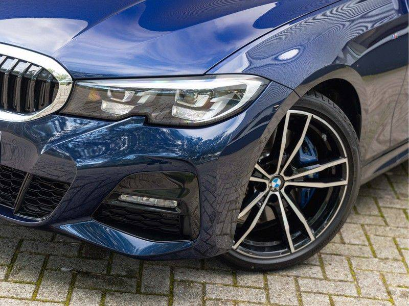 BMW 3 Serie Touring 330i M-Sport - Individual - Memoryzetels - Trekhaak - Panorama afbeelding 7