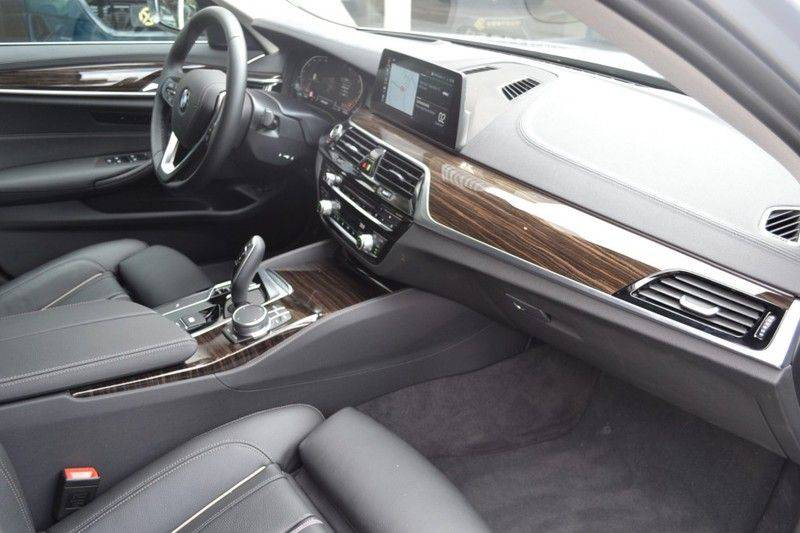 BMW 5 Serie 530i xDrive Luxury Line Facelift afbeelding 10