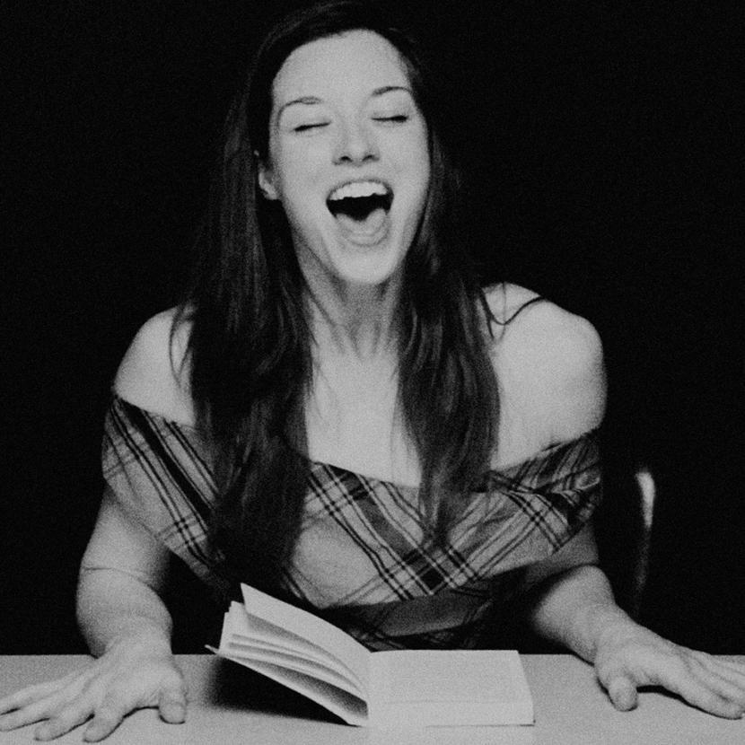 Джессика Стоядинович (Стоя) узнала о планах ее русского издателя. Фото: hystericalliterature.com