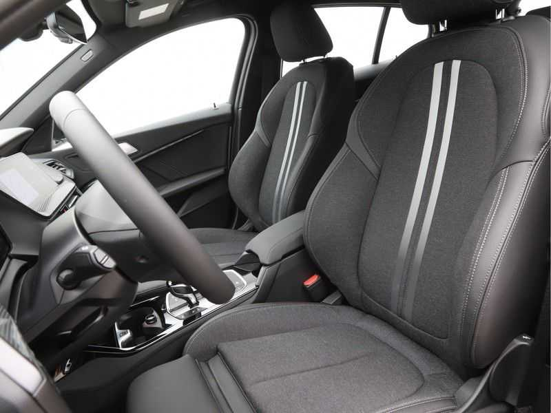 BMW 1 Serie 118i High Executive Edition Sport Line afbeelding 11