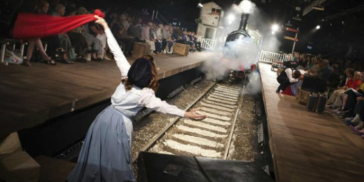 A scene from York Theatre Royal's The Railway Children