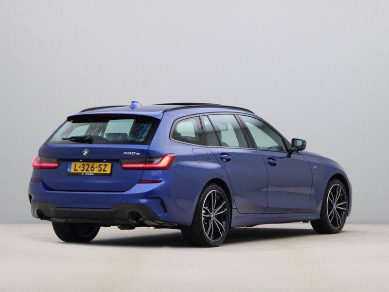 BMW 3 Serie Touring 330e High Executive M-Sport Automaat afbeelding 9