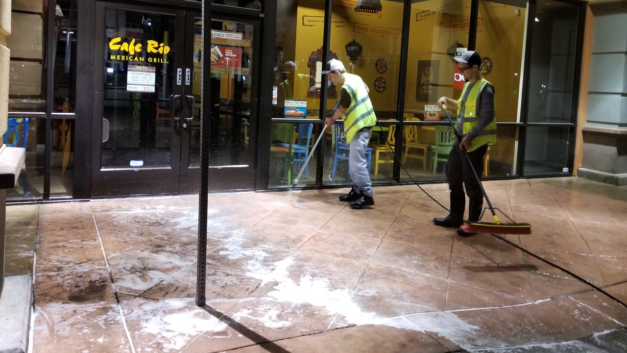 pressure-washing-cafe-rio-storefront-and-siding--cleaning-20