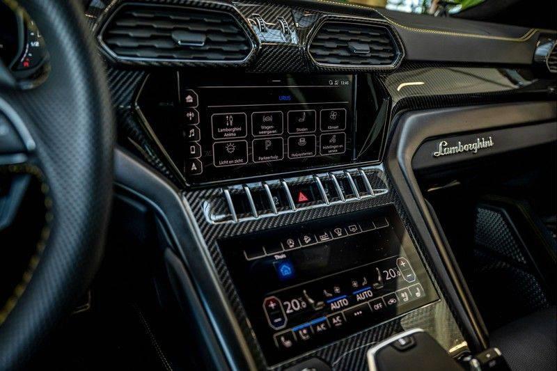 Lamborghini Urus 4.0 V8   Carbon interieur   Carbon exterieur   B&O 3D   Head-Up Display   Panorama   Massage   Ventilatie afbeelding 19